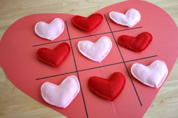 heart-shaped-tic-tac-toe-game-makeandtakes-com_